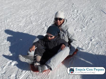Trineos Pista Dedicada Esquia Con Peques